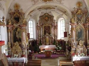 Bild: Kircheninneres im Rokoko-Stil